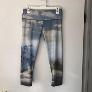 Onzie M/L crop yoga pants
